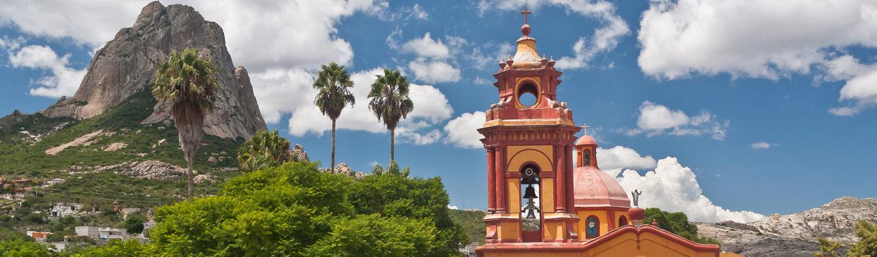 Peña de Bernal Pueblo Magico Queretaro Mexico : Pueblos