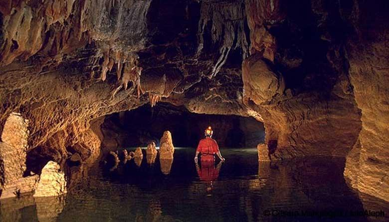 Resultado de imagen para grutas en mexico