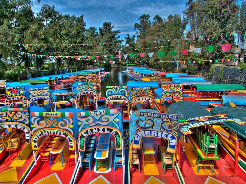 Xochimilco referente tur stico colorido en la ciudad de m xico pueblos magicos de mexico for Jardin xochimilco