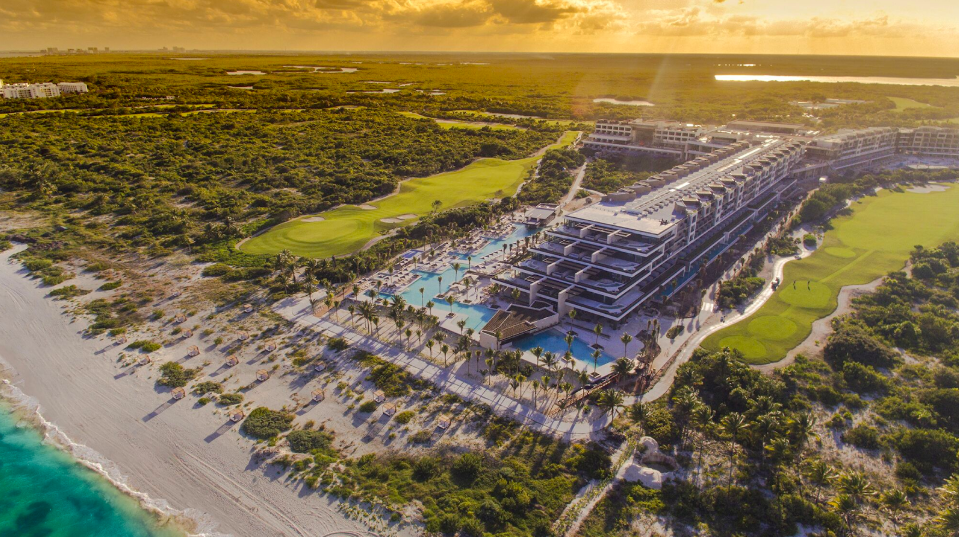 Estudio Playa Mujeres: un resort de lujo familiar en Cancún